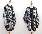 Oversized Chunky Cardigan - Op Art Pattern