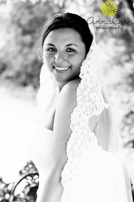 Mantilla veil with Alencon lace - Sarah