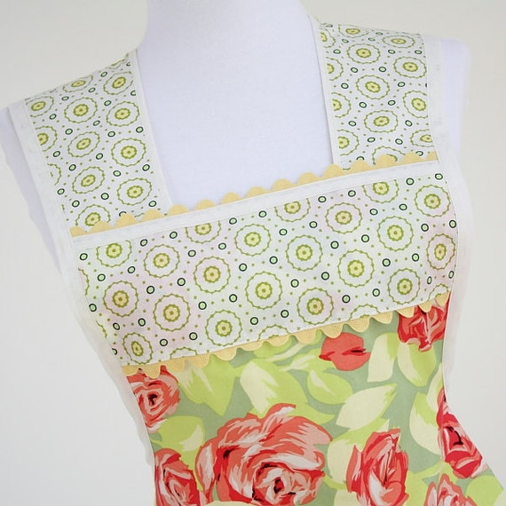 Retro Full Apron in Amy Butler Love Roses Fabric Pink and Green LAST ONE