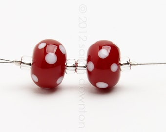 Polka Dot Reds pair - Handmade Lampwork Glass Beads by Sarah Downton