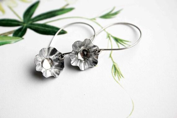 Dormeuses flower earrings metalwork crystal cabochon handmade earrings