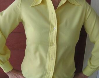 1970s Vintage Blouse Lemon Yellow Polyester (3397-W)