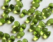 6x9mm Czech Glass Teardrop Beads Olivine Green (50 pieces) tear Drop Beads