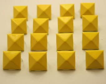 50 pcs.Yellow Pyramid Studs Biker Spikes spots DIY Decorations Findings 14 mm.