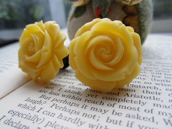 Large Bridal Plugs, Prom Plugs, Flower Plugs, Yellow Roses