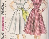 Simplicity 3878 Size 35, Ladies Dress with Shaped Neckline from 1952