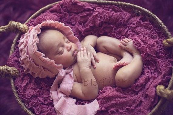 Newborn Bonnet. Fabric Bonnet. Ruffle Bonnet. Baby Bonnet. Pink. Vintage Style. Baby Girl. Photo Prop. Shabby Chic.GWEN. Tolola Design.