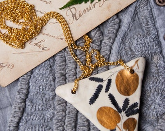 Triangle Geometric Pendant, Geometry Necklace, Golden, Flowers Drawing, Woodland, Géométrie, Handmade Jewelry, Plants, Air Dry Clay, Biology