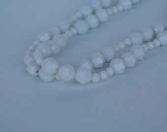 Vintage Plastic Lucite Faceted White Necklace FREE SHIPPING