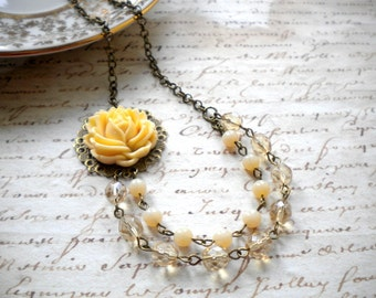 Mother Of The Groom Gift Ivory Bridesmaid Necklace Ivory Flower Necklace Rose Necklace Rustic Ivory Wedding Jewelry Rose Statement Necklace