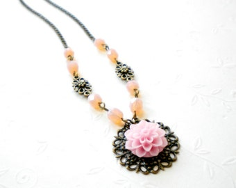 Flower Necklace Pink Necklace Pastel Jewelry Pink Bridesmaid Necklace Milky Pink Beadwork Glass Necklace Pink Wedding Jewelry