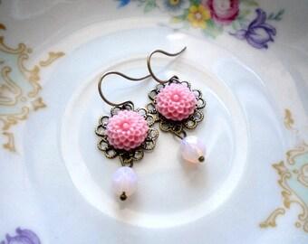 Pink Earrings Pastel Dangle Earrings Flower Girl Earrings Drop Bridesmaid Earrings Pink Glass Earrings Pink Jewelry Pink Flower Earrings