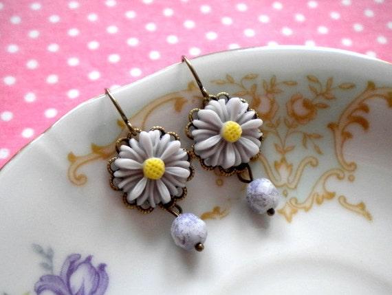 Daisy Earrings Pastel Grey Dangle Earrings Sunflower Earrings Pastel Jewelry Dangle Flower Earrings Sunflower Jewelry Drop Earrings