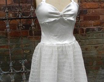 Sample sale ! Ivory satin and tulle halter dress