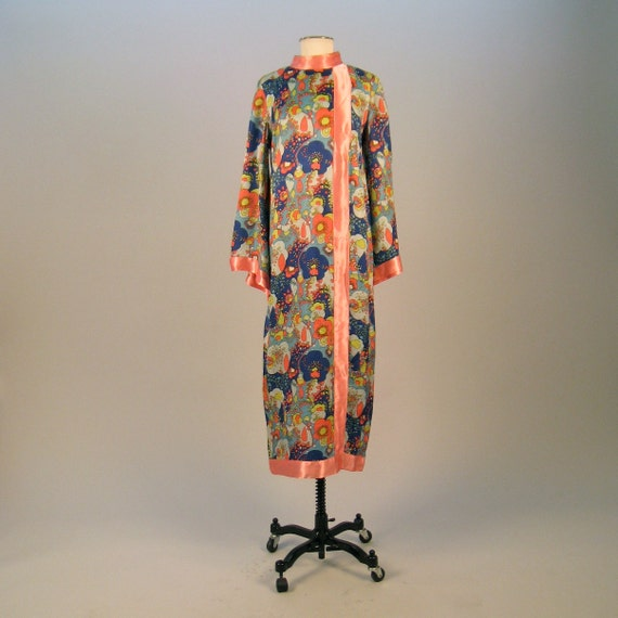 SALE SALE SALE  Vintage 1970s psychedelic printed caftan style dress with belled sleeves