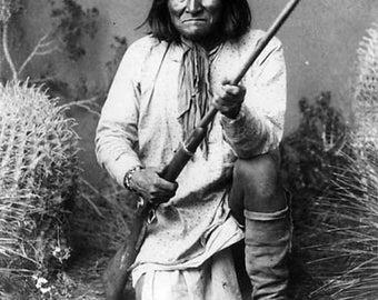 Geronimo Kneeling Indian Image 8 1/2 x 11 Image
