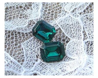 10x8mm Swarovski Emerald Green Octagon Glass Rhinestone