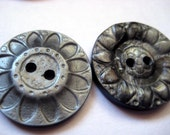 8 Vintage Buttons Silver Gray Marbled Flower Design Plastic 7/8 inch