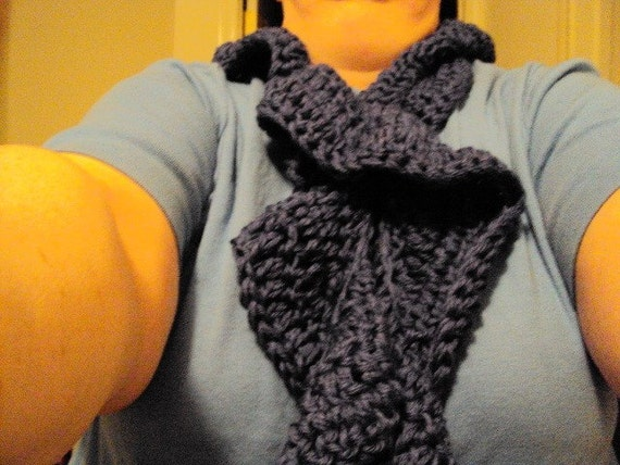 Knit Scarf in Twilight Blue made of Bamboo and Wool in Flirty Ruffle