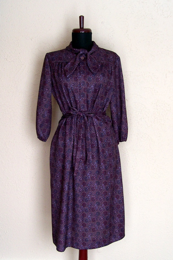 SALE 1970s Vintage Purple Secretary Dress. Paisley Pattern Size Extra Large. By A Nancy Frock. Radiant Orchid Pantone Color of the Year 2014