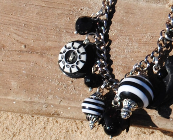 Vintage Buttons and Bakelite Bracelet - Black and White Vintage Charm Charm Bracelet