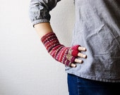 Fingerless gloves - lingon berry. maroon red stripes.