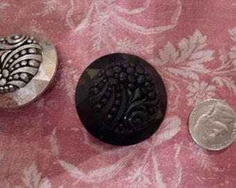 Destash Supplies  Art Nouveau Vintage Button