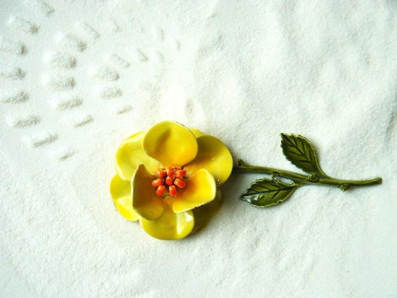 Vintage Enamel Flower Brooch - Metal - Yellow - Green - Orange