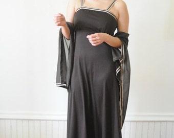 Autumn Flutter Dress Formal Maxi Dress / Vintage Gown / Vintage Dress by New Mode Size Medium