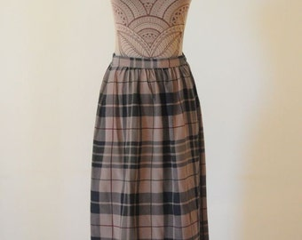 SALE ALFRED SUNG Wrap Skirt / All Silk Plaid Skirt / Checkered