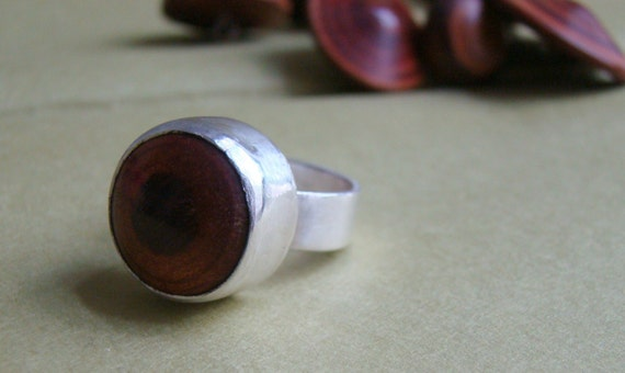 reclaimed wood button ring size 6