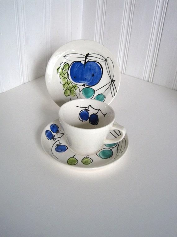 Vera Neumann Forbidden Fruit Cup Saucer - Vintage Vera Pottery - Collectible Forbidden Fruit Plate - Hand painted pottery