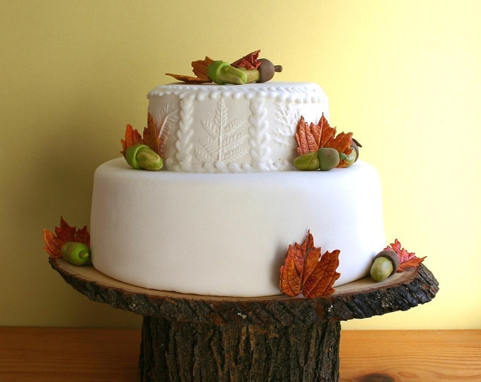 "12"" x 16"" Rustic wood Cake Stand"