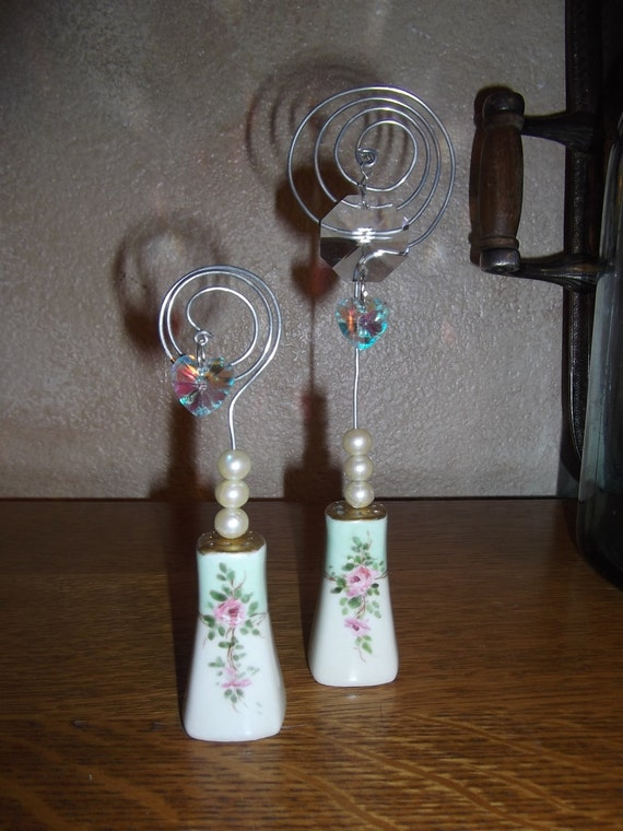 Salt and pepper shaker photo holder SHABBY CHIC vintage, repurposed, upcycled
