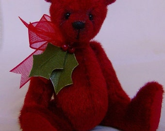 Holly Complete sewing kit for a miniature bear