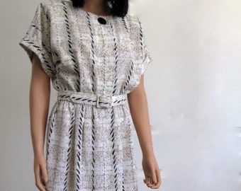 Vintage 1980s Day Dress of Crepe in White, Tan and Black Plaid
