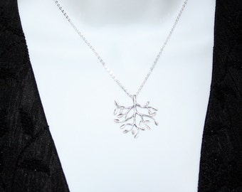 Silver Tree Necklace, Tree of Life Necklace, Family Tree Necklace, Sterling Silver, Mother Gift, Wedding Jewelry, Tree Pendant Necklace