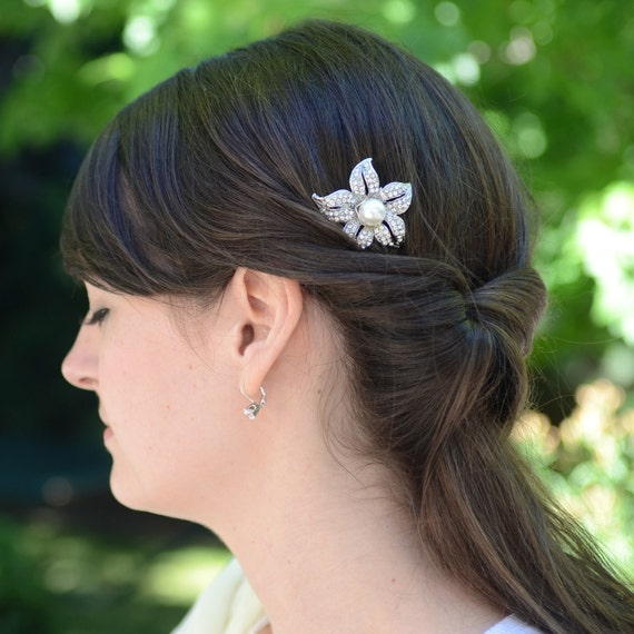 Bridal Hair Comb, Silver Rhinestone Flower with Pearl Center Hair Comb by Jill's Boutique on Etsy