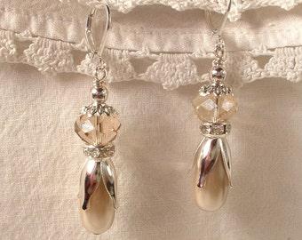Champagne Pearl, Crystal & Rhinestone Bridesmaid Earrings, Silver Drop Earrings, Neutral Dangle Bridal Earrings, Beige Taupe Burlap Wedding