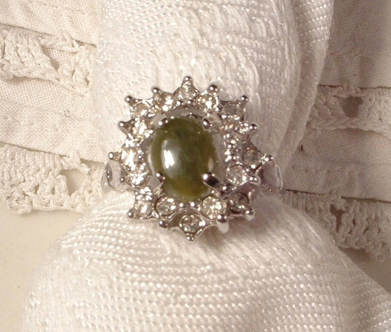 Jade / Aventurine Vintage Silver Ring, Sage Olive Green Natural Stone & Rhinestone Uncas Signed Costume Cocktail Ring Size 8.5 to 9 MINT