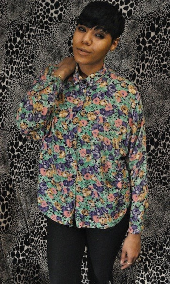 Sale 80's Floral Button Up Long sleeve Top