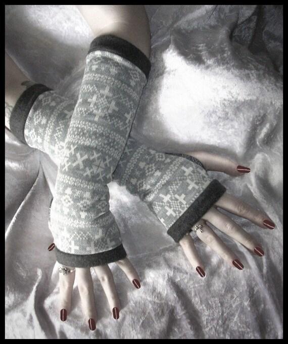 Sibylle's Snow Bunny Long Arm Warmers - Grey White Alpine Vintage German Sweater Knit - Lined w/ Soft Dark Grey Fleece - Chic Ski Boho Noir