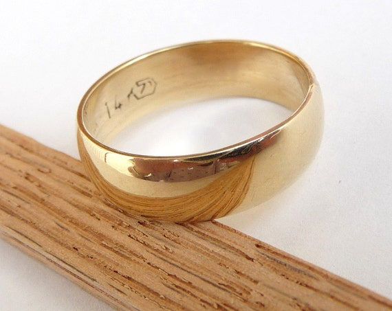 Men's wedding band polished shiny domed gold wedding ring for woman and man 6mm wide