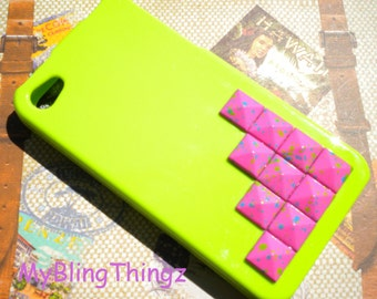 Bright Hot Pink Splattered Pyramid Studs on Lime Green Back Case Cover for Apple iPhone 4 4G 4S AT&T Verizon Sprint