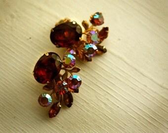 Beau Jewel Clip On Earrings / Aurora Borealis / Vintage / Brown / Pink