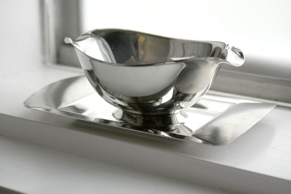 Stainless Steel Serving Bowl / Vintage / Retro / Mid Century Modern