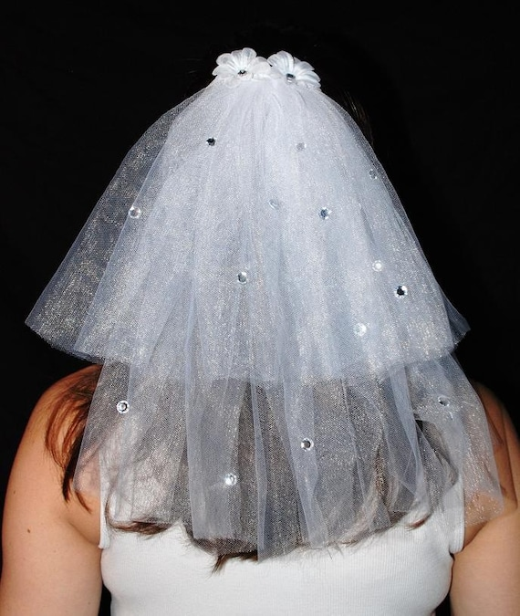 Wedding Or Bachelorette Party 2-Tier Veil Clip With Rhinestones And Flowers