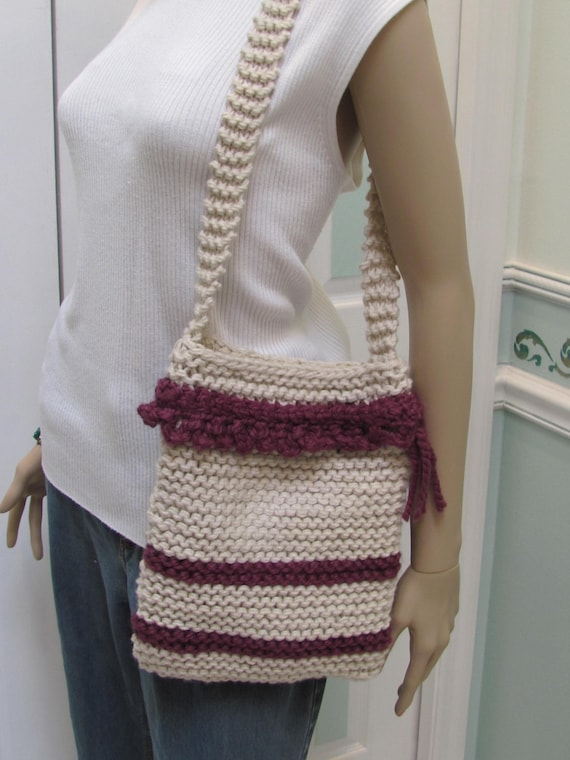 KNIT SHOULDER BAG: Handbag /Purse, Beige Aubergine, Hand knitted , bulky yarn , in beige and aubergine , fully lined with snap fastners