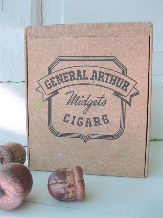 Vintage Cigar Box 1930's Midgets Tan Treasure Box  from Tessiemay
