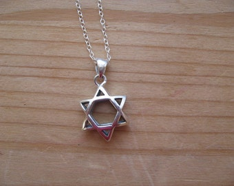 Sterling Silver Star of David Pendant with Silver chain, Modern Star of David  Necklace Sterling Silver Puffed Pendant